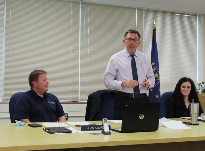 In his first meeting at the helm, Cline addresses the S-OCS Board of Trustees.
