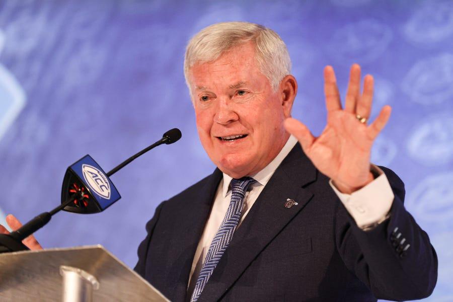 Ball ahead of brand: UNC football players back Mack Brown's NIL endorsement deals slogan