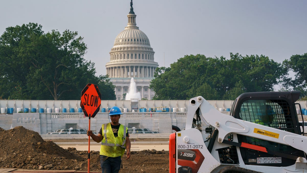 Infrastructure bill fails first vote; Senate to try again 3