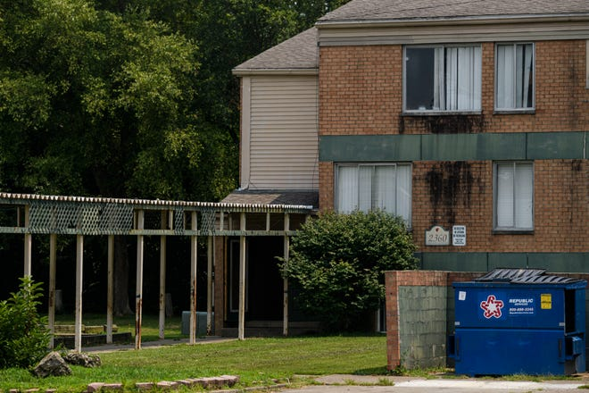 A building in the Woodland Park Apartments complex on Evansville's South Side is pictured Wednesday afternoon, July 21, 2021.