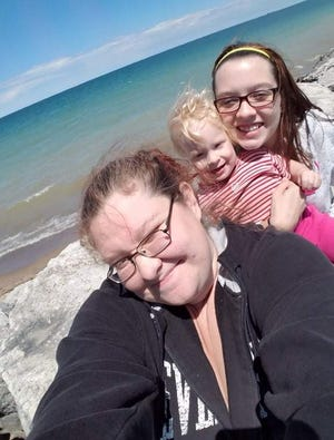 Melissa Havens (left), with her daughter, Kayliee, and sister, Theresa Havens