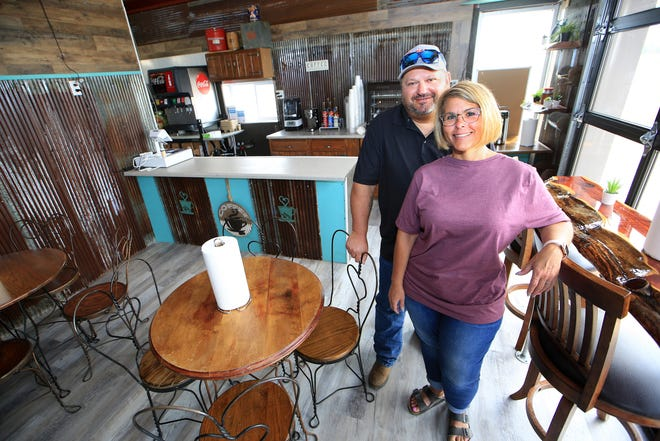 Dan and Jennifer Brummer are opening a coffee shop in Haven called Jenz Java, a place where the community can come and visit while enjoying coffee, tea and some breakfast and lunch items. The shop also has a drive-thru on the east end of the building.