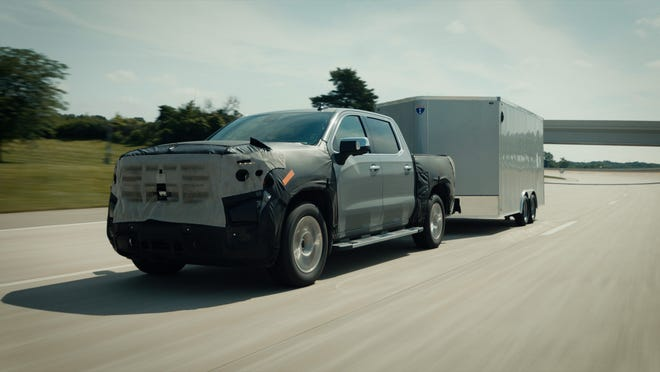 GMC will offer Super Cruise hands-free highway driving with the ability to tow trailers and make fully automatic lane changes on 2022 GMC Sierra pickups