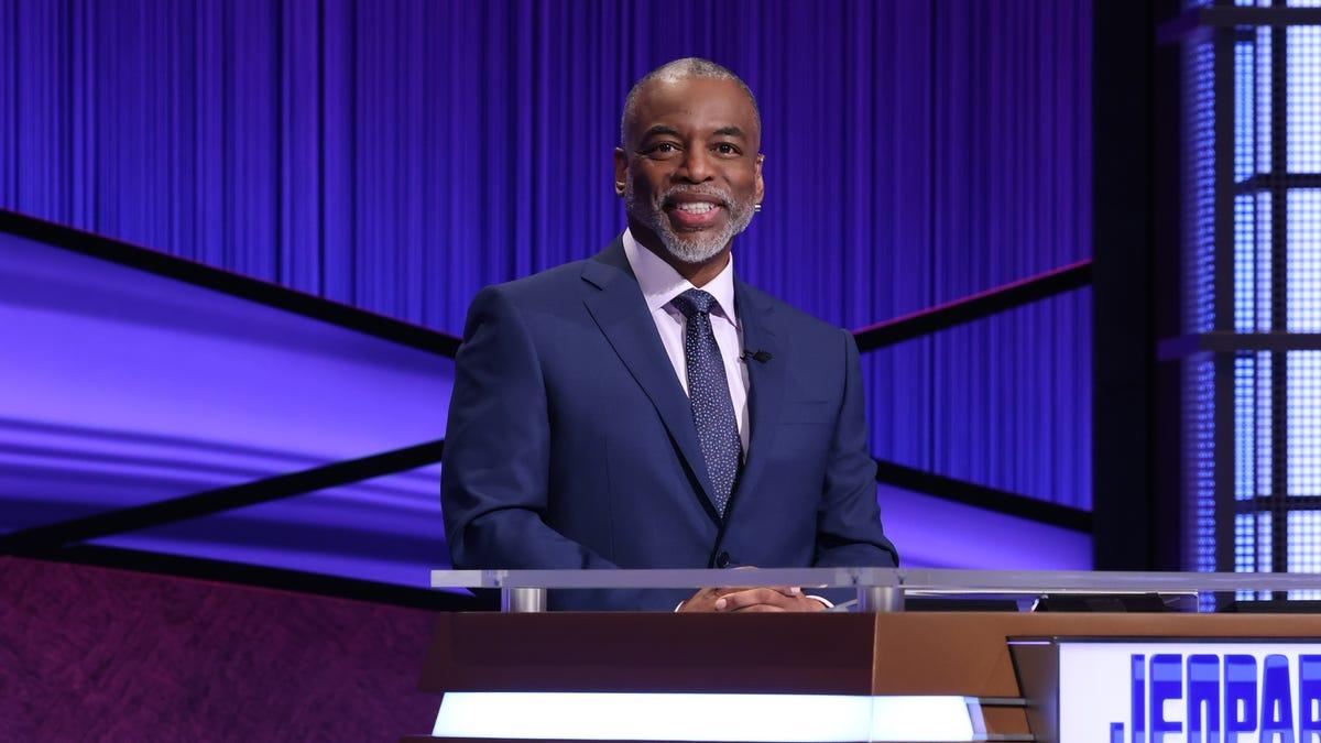 'Jeopardy!' contestant sets record negative score during LeVar Burton's hosting debut