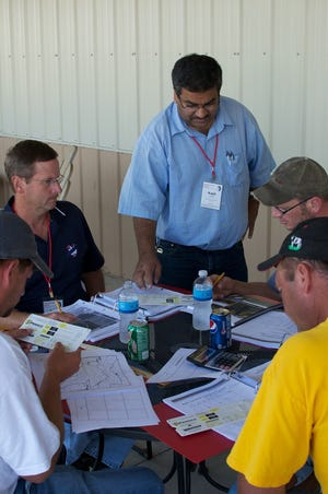 Kapil Arora leads a discussion on drainage.