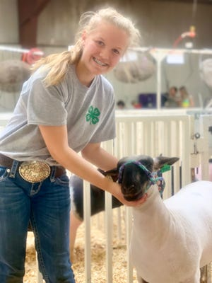 4-H members that are named champions or reserve champions in livestock showmanship at the North Dakota State Fair will teach state leaders about the finer points of livestock showmanship.