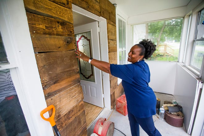 """Linda Carter talks about improvements to a South Bend home that's part of the """"Women Built"""" program."""