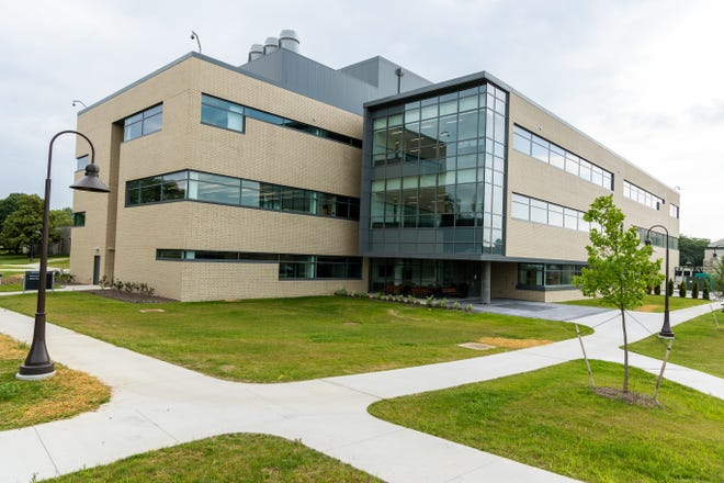 The $32 million John and Mary Alford Center for Science and Technology, a three-story, 60,000-square-foot facility, will become the 11th building on the shared 200-acre campus of Central Ohio Technical College and Ohio State University-Newark.