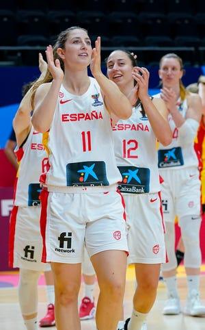 Leonor Rodríguez, graduada de Florida State, celebra la victoria de España en el reciente torneo Eurobasket.  Rodríguez representará a España, junto con la ex jugadora de Seminole Maria Conde, en los Juegos Olímpicos de Tokio.
