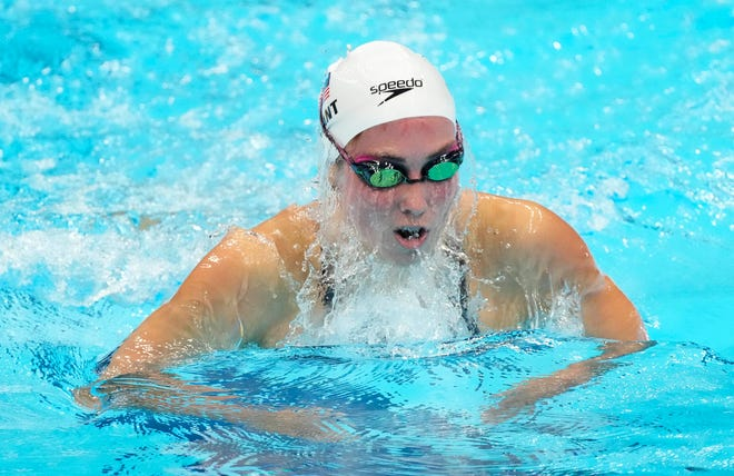Emma Weyant, of Sarasota, competes in the women's 400-meter individual medley heats during the Tokyo Olympics.