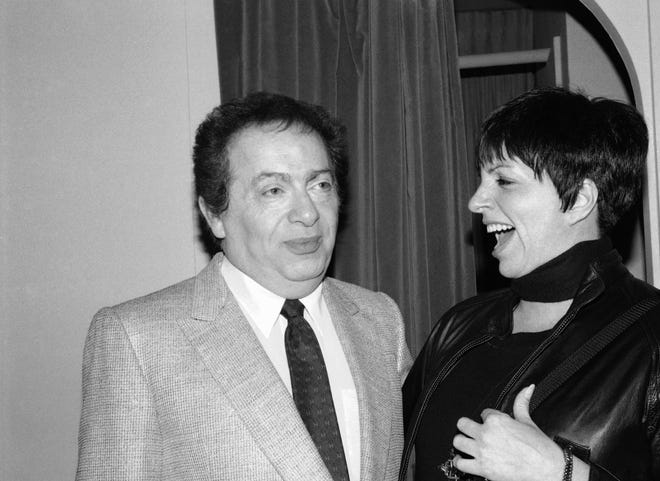 Jackie Mason, Legendary Comedian and Rabbi Turned Contentious Dies at 93