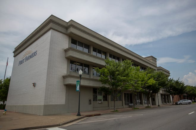 The main Maury County office of First Farmers and Merchants Bank is located at 816 South Garden Street in Columbia, Tenn. The community bank has 22 locations in seven Middle Tennessee counties.