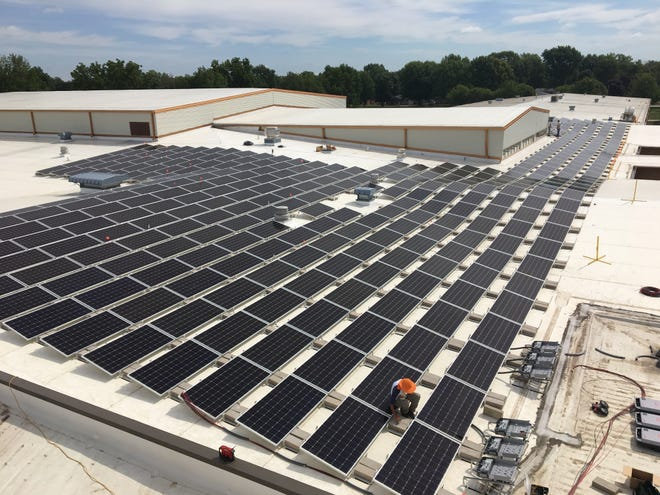 Knoxville school solar paneling provided by Red Lion Renewables