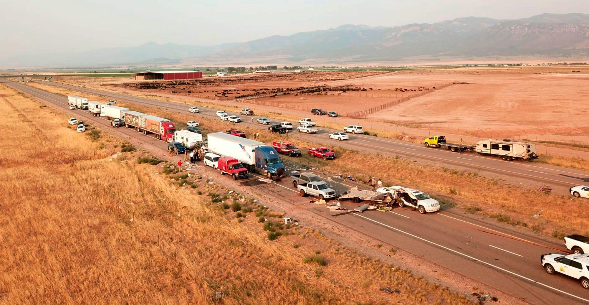 At least 7 killed in 20-car pileup in Utah during sandstorm 2