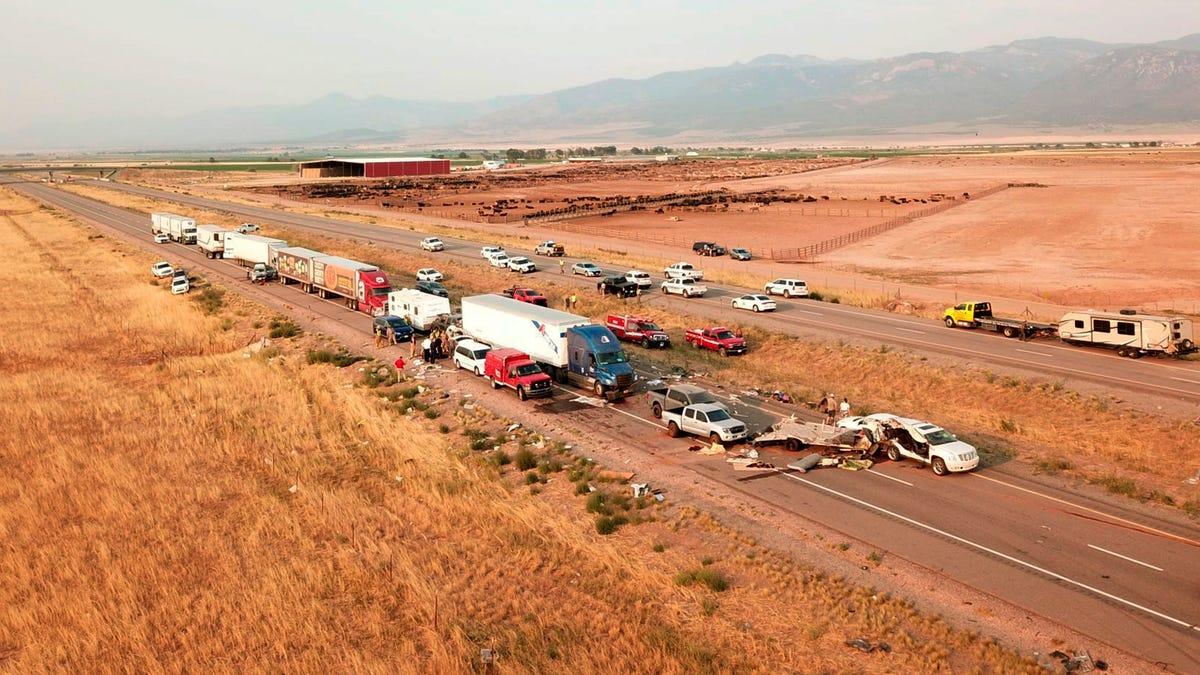 At least 7 killed in 20-car pileup in Utah during sandstorm 3