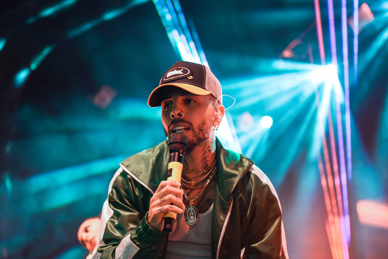 Rauw Alejandro proves he s reggaeton s next superstar at sold-out Eagles Ballroom show in Milwaukee