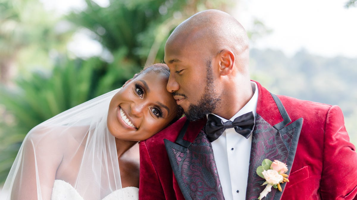 Issa Rae shares wedding photos with hilarious post about 'somebody's husband'