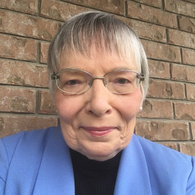 The Bastrop school districthired June Crawford to serve as its finance director.