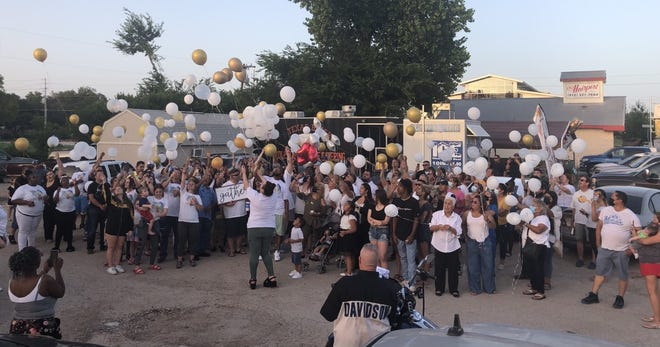 """Friends and family of Yolanda """"Yoli"""" Vidal DeLeon gathered on Saturday to release balloons in memory of the Yoli's Tacos and More Catering food truck owner, who died July 20."""
