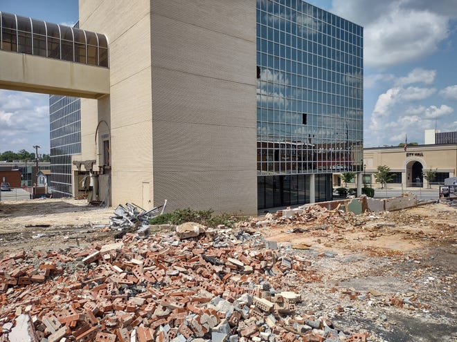The first phase of demolition for the five-story former Lexington State Bank building in uptown Lexington began this week.