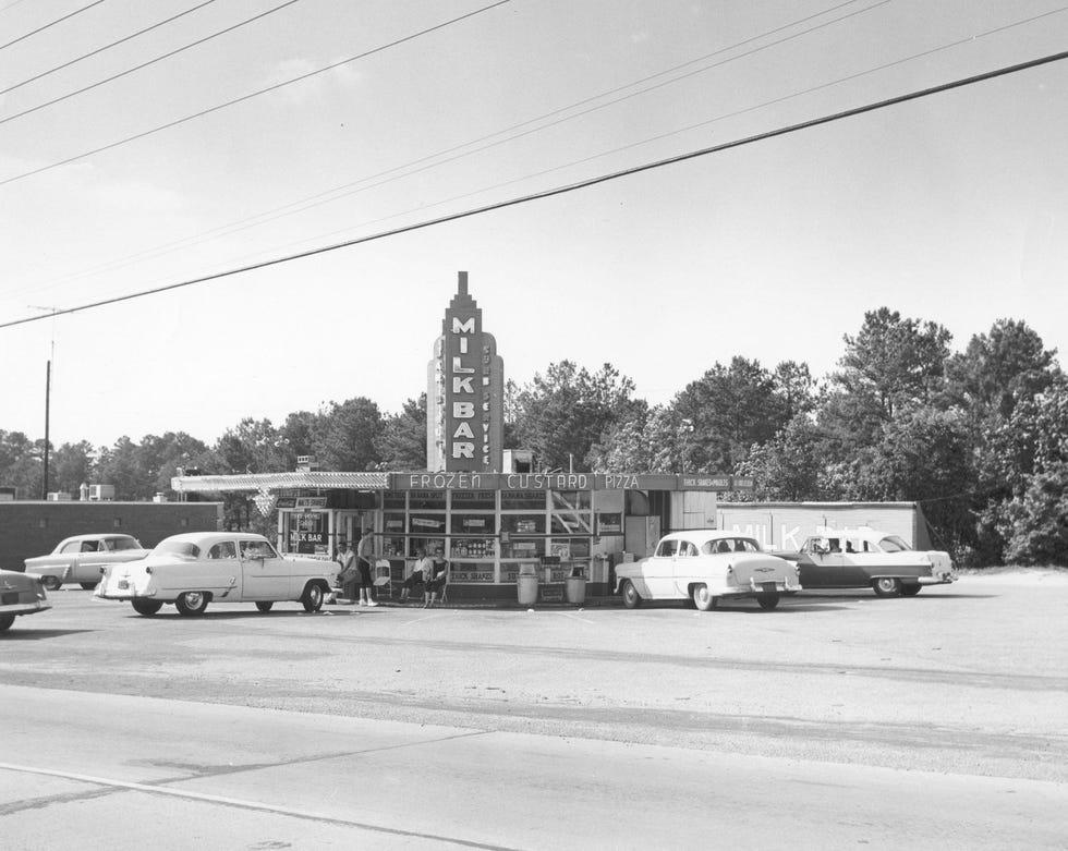 Το Milk Bar, το πρώτο αυτοκίνητο της Fayetteville.