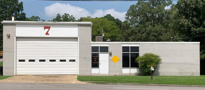 The Gadsden City Council on Tuesday accepted a bid for a new fire station at Banks Park, to replace this station on Vandell Boulevard. Fire Chief Wil Reed says Walnut Park residents still will have the same level of coverage from the new station, which will be roughly a mile away from this location.