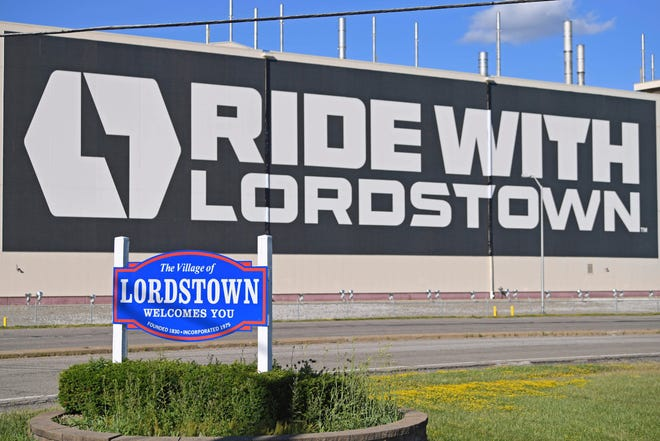 Lordstown Motors in northeast Ohio faces allegations that executives mislead investors about vehicle pre-orders. Some say there were warning signs from the beginning.