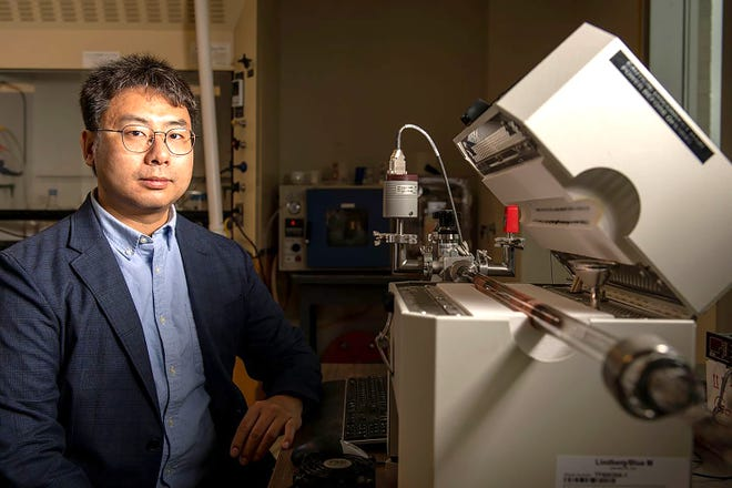 Chenglin Wu, assistant professor of structural engineering at Missouri University of Science & Technology,  has won a $500,000 National Science Foundation Career Award for his research with two-dimensional metals.