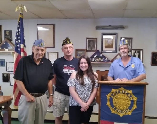 The Sons of the American Legion of Exeter has selected Alivia Bourque of East Kingston as the recipient of its education grant this year.  Bourque will be attending the New Hampshire Technical Institute at Concord Community College. After she completes the Dental Assistant program, her next goal is to enter a dental hygienist curriculum.  The selection was based on her high level of achievement, dedication to studies, and superior work ethic.  Pictured are SAL Chaplain Joe Korowski, American Legion Post 32 Commander James Berg, SAL Commander Walter Moss Jr., and Bouque.