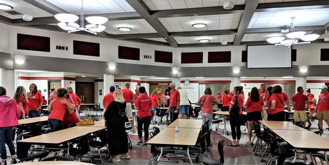 More than 100 members of the Springfield Local Schools Association of Classroom Teachers attended the recent Board of Education meeting in support of a new contract.
