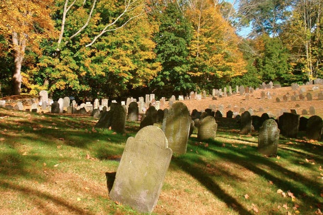 Norwichtown colonial burial grounds