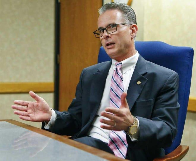 Tony Mattivi, a former federal prosecutor and coordinator of Kansas' anti-terrorism efforts, formally announced his bid for attorney general Wednesday.