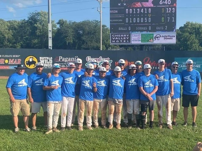 The Ohio Bison 16U team (24-12)  went 4-1 to win the 726 Columbus Wood Bat Tournament at Don Edwards Park, also winning the Bison and Grove City classics and finishing second in the Beast of the East. The team included Trey Robinson, Max Durbin, Owen Poole, Jayce Dansby, Mason Hackett, Eli Morris, Nate Farrell, Anthony Robertson, Garrett Grinstead, Brenden Moore, Slater Sampsel, Oliver Shroyer, Luke Bailey and Jackson Ryan. Coaches were Todd Morris, Gabe Morris, Pat Robertson, Guy Grinstead and Jim Robinson.