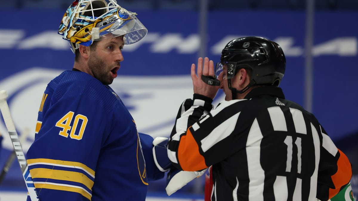 Arizona Coyotes goalie Carter Hutton excited for fresh start with new team