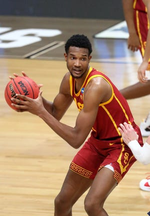 Mar 30, 2021; Indianapolis, IN, USA; Southern California Trojans forward Evan Mobley (4) against the Gonzaga Bulldogs in the Elite Eight of the 2021 NCAA Tournament at Lucas Oil Stadium.