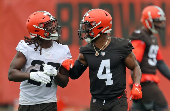 Browns linebacker Anthony Walker Jr. avoided a serious knee injury after being hurt during Monday's practice but coach Kevin Stefanski expects Walker to miss more than a week of training camp. [Jeff Lange/Beacon Journal]