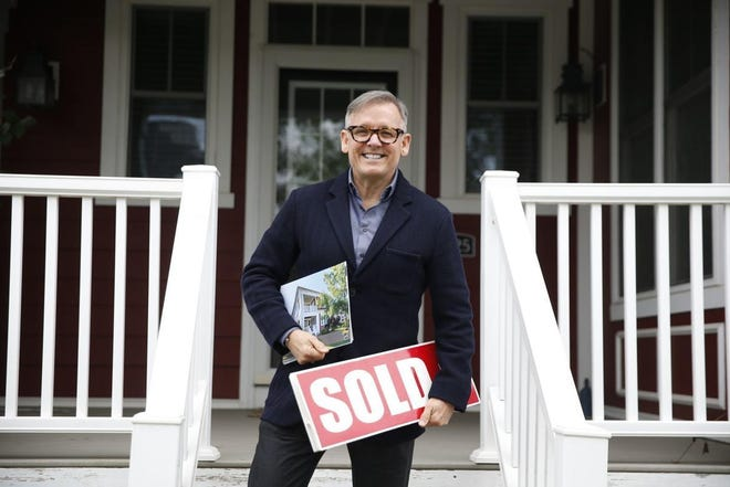 Real estate agent Jeff Franklin shares his first-impression secrets when showing a home for the first time.