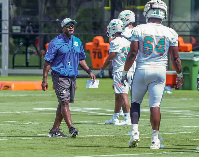 Head Coach Brian Flores instructs players during practice at Miami Dolphins training camp, July 28, 2021.