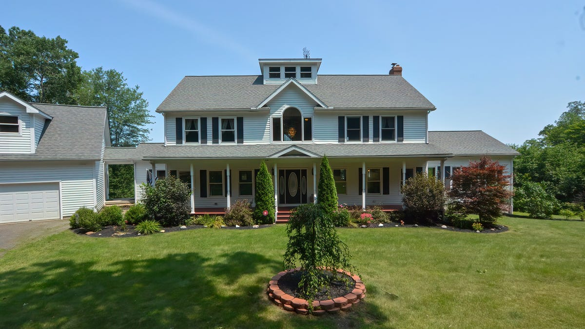 Greatest surroundings in Central Mass., view of three cities, West Brookfield home lists for .05M