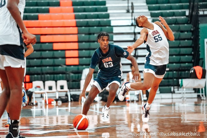 2023 Chambers High School point guard Jaylen Curry (63) has participated in three invitation-only USA Basketball Junior National Team minicamps entering his junior year. Curry, who plays for Team CP3 and has Florida State and Texas A&M offers, is also one of the fastest rising underclassman recruits in the state.