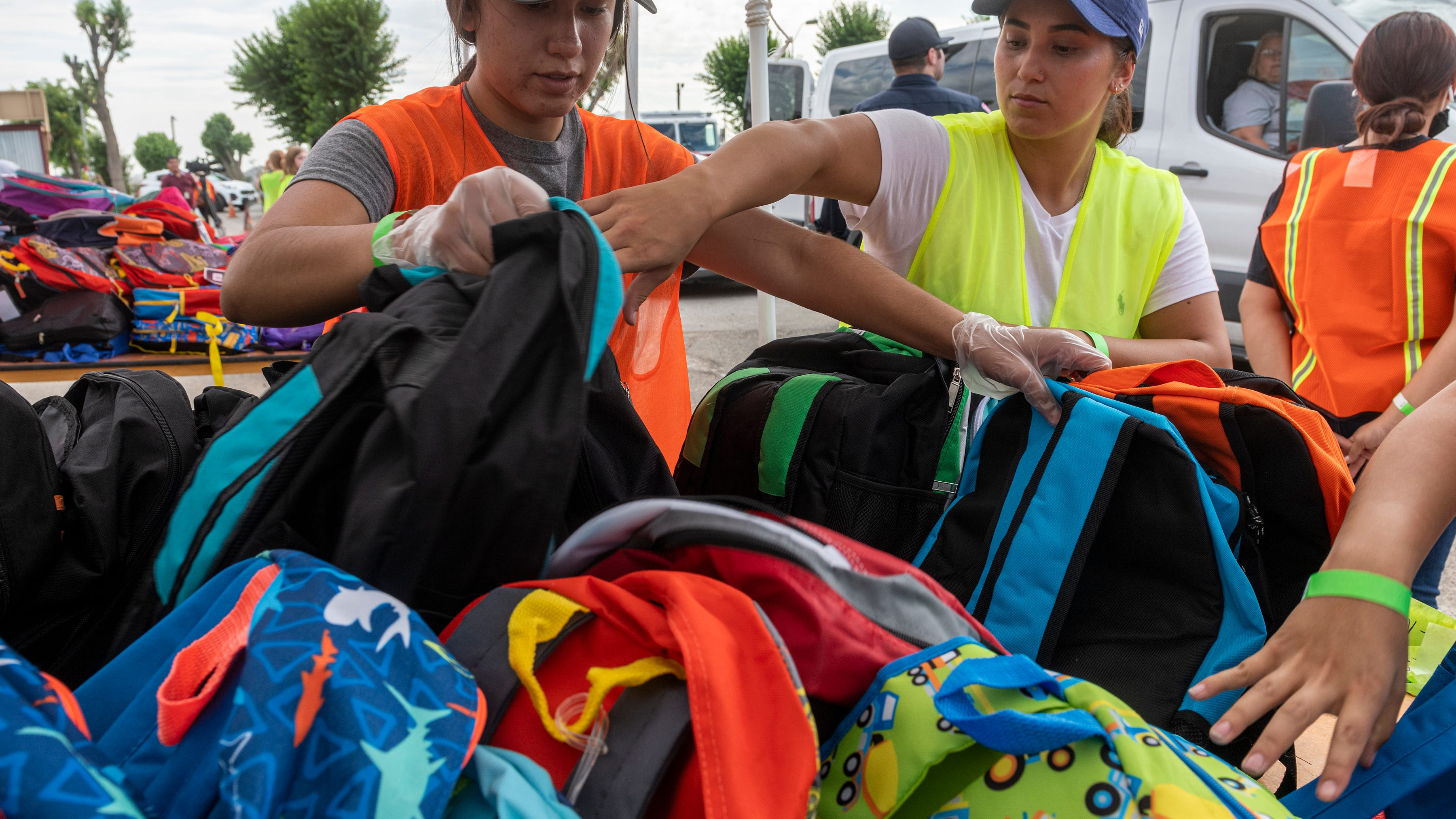 Nearly 3,000 backpacks given out to High Desert students at Victorville fairgrounds