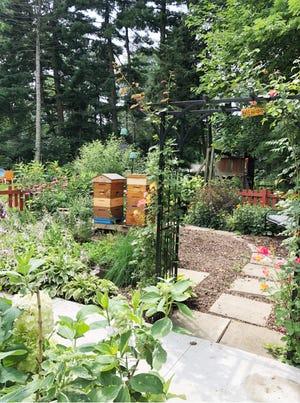 'Pollinators Welcome'
