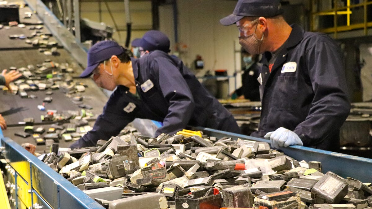 Startups, researchers race within the Wild West of EV battery recycling