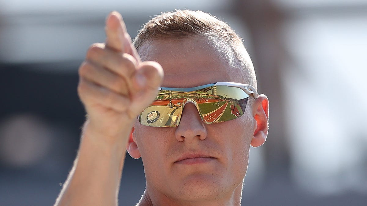 US pole vaulter Sam Kendricks out of Olympics with COVID-19, sends 3 Aussies into lockdown