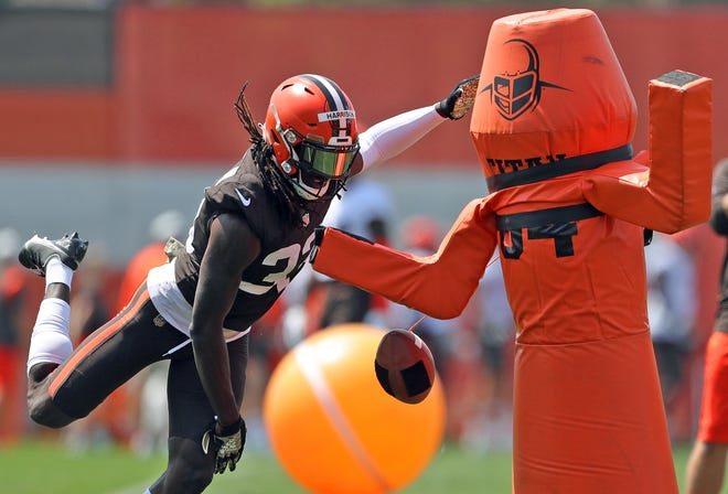 Cleveland Browns safety Ronnie Harrison Jr. participates in drills during NFL football training camp, Friday, July 30, 2021, in Berea, Ohio. [Jeff Lange/Akron Beacon Journal]