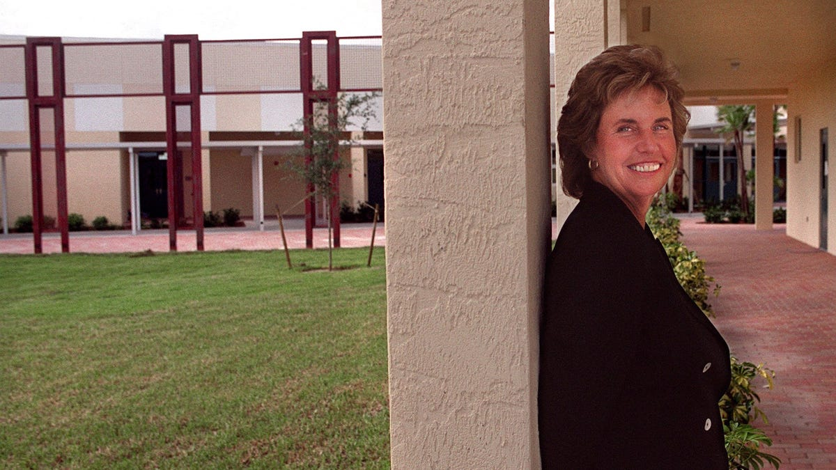 She stopped showing up. Palm Beach County public schools kept paying her $134K salary.