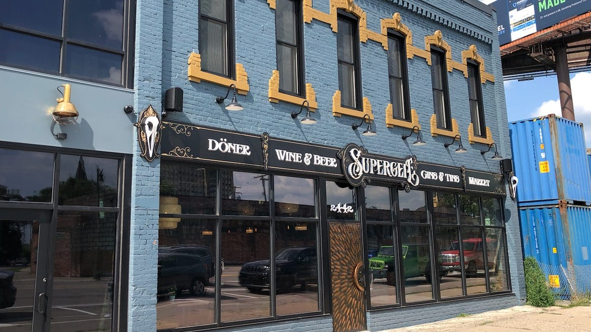 Two James' new restaurant Supergeil is open in Corktown with döner, gin and tinned fish 1