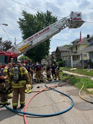 Marion City Fire Department and Marion Township Fire Department worked together on Thursday afternoon to extinguish a fire in a vacant home on the 100 block of Chicago Avenue.