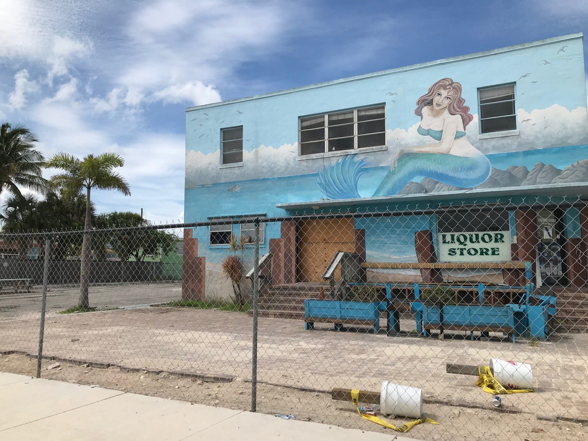 In the Know: Margaritaville construction and new and vintage Jimmy Buffett images
