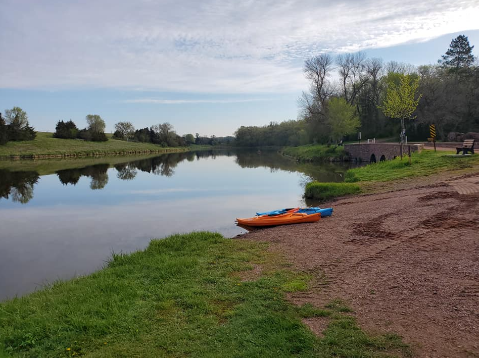 Kayaking when there's no water: Tubing, lakes and more provide alternatives during drought